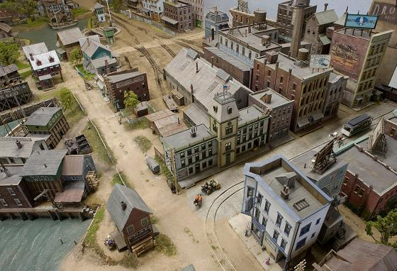 The model depicts a street corner at the edge of the busy waterfront of Lynn, Massachusetts. (T. Gieg)