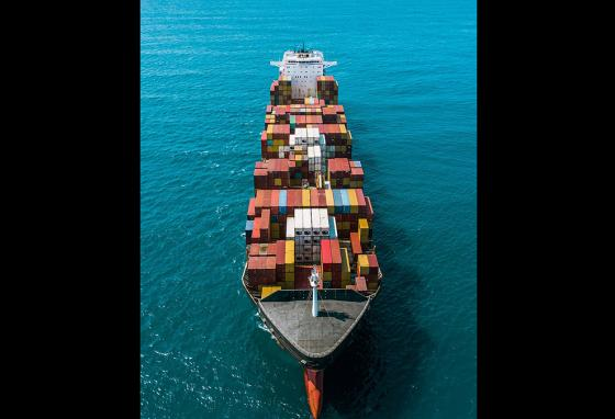 To float, container ships must be perfectly balanced. Balancing heavy cargo containers is very important so the ship doesn't tip!
