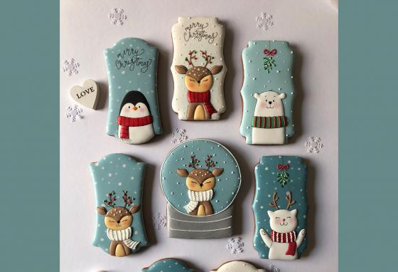 Christmas is the biggest season for sweets. Ms. PoÓr creates Christmas cookies with many different styles of art, including these cute animals. (Mézesmanna)