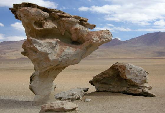 The Altiplano is known for odd-looking rock formations created by wind. (El Guanche/CC BY 2.0)
