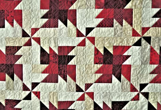 Can you see the stiches holding the layers of this quilt together?