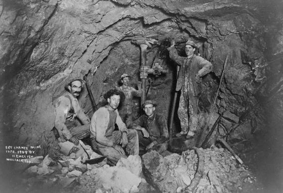 Five men pause for a photo in a lead mine in 1909 in the Coeur d'Alene region of Idaho. (LOC)