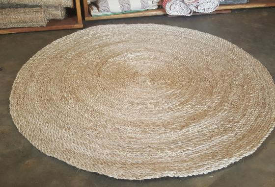 This rug is made from banana fiber. (Texfad)